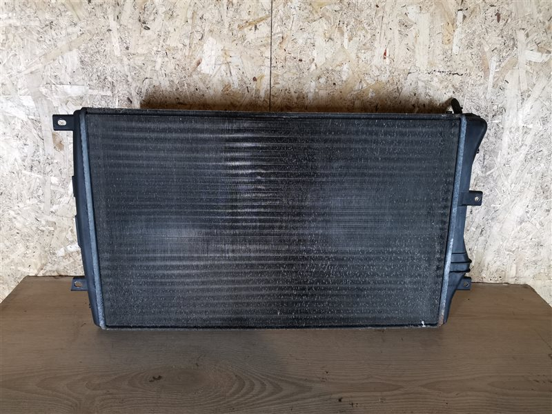 Радиатор основной Volkswagen Passat B6 2007 (б/у)