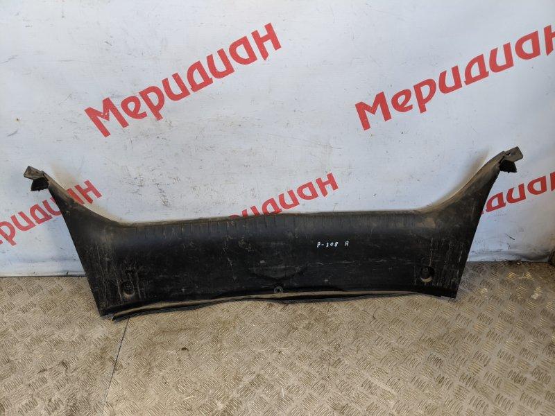 Обшивка багажника на заднюю панель Peugeot 308 2008 (б/у)