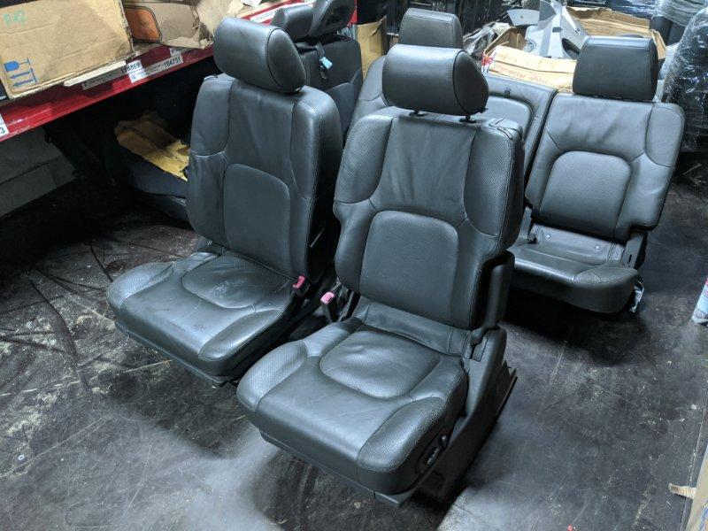 Комплект сидений Nissan Navara D40 2007 (б/у)