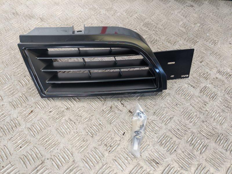 Решетка радиатора правая Mitsubishi Carisma DA 2003 (б/у)