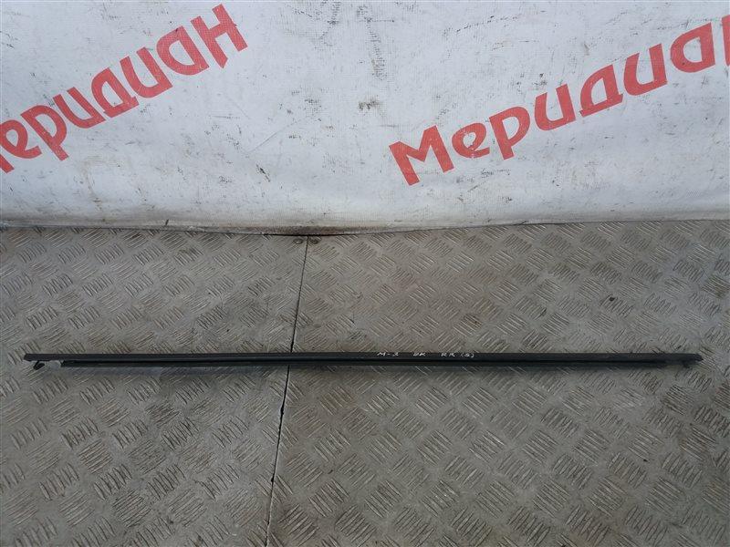 Накладка стекла заднего правого Mazda 3 BK 2007 (б/у)
