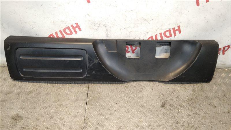 Накладка двери багажника Honda Cr-V II 2006 (б/у)
