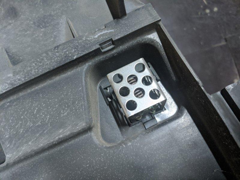 Резистор отопителя Nissan Note E11 2009 (б/у)