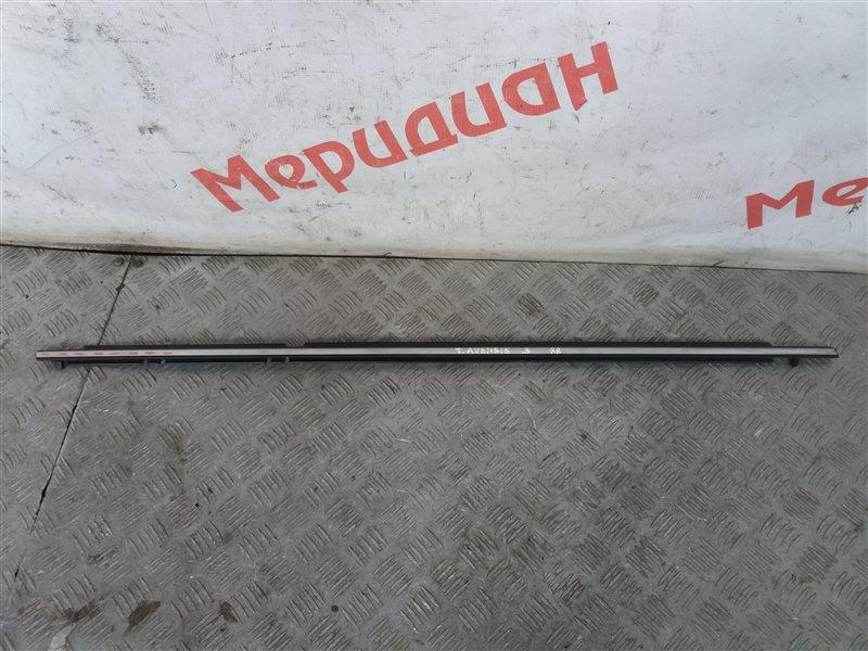 Накладка стекла заднего правого Toyota Avensis III 2009 (б/у)