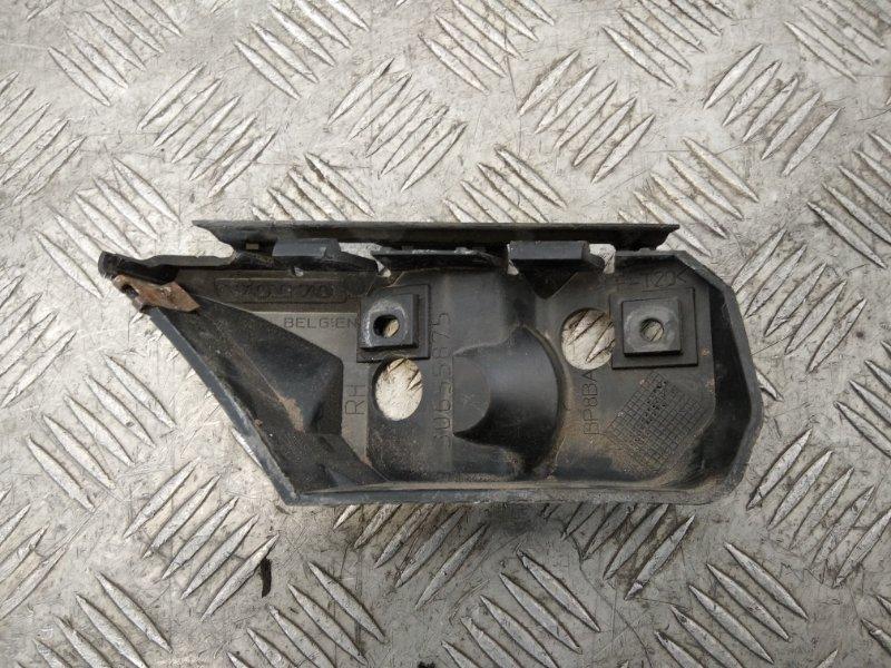 Направляющая переднего бампера правая Volvo V50 2010 (б/у)