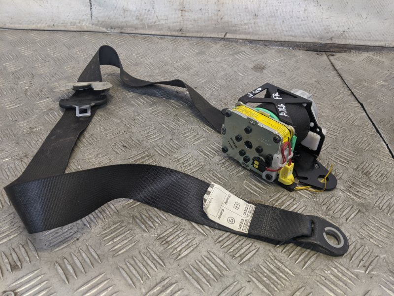 Ремень безопасности с пиропатроном передний правый Toyota Auris I 1.6 2008 (б/у)