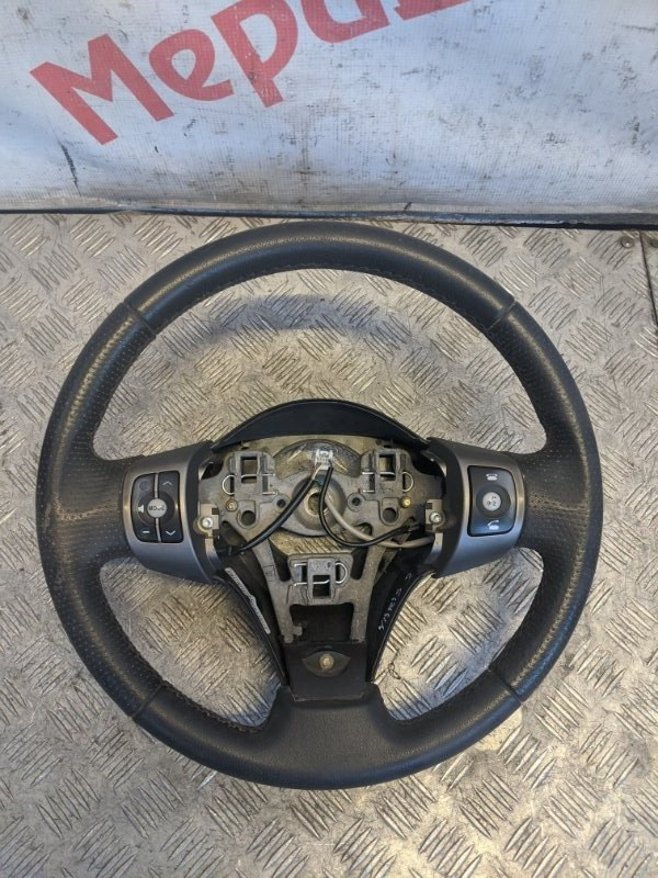 Рулевое колесо Toyota Yaris II 1.3 2009 (б/у)