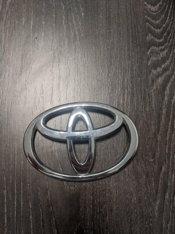 Эмблема на крышку багажника Toyota Avensis II 2006 (б/у)