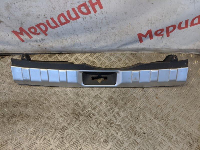 Накладка на заднюю панель Nissan X-Trail T31 2008 (б/у)