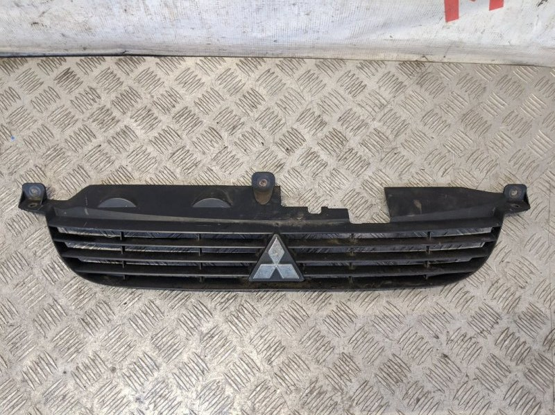 Решетка радиатора Mitsubishi Space Star 2003 (б/у)