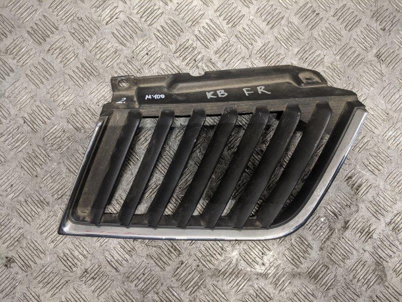 Решетка радиатора правая Mitsubishi L200 KB 2.5 2009 (б/у)