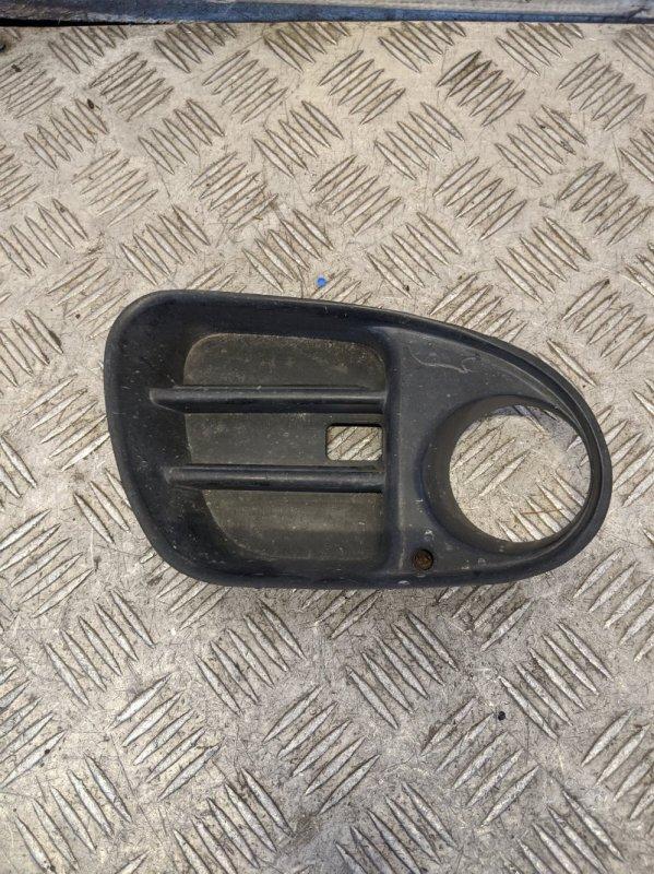 Рамка противотуманной фары правой Mitsubishi Carisma DA 1.6 2000 (б/у)