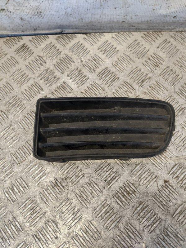 Решетка в бампер левая Mitsubishi Carisma DA 1.6 2003 (б/у)