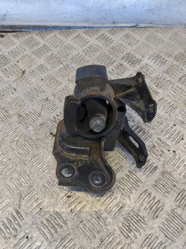 Опора двигателя левая Toyota Auris I 1.6 2008 (б/у)