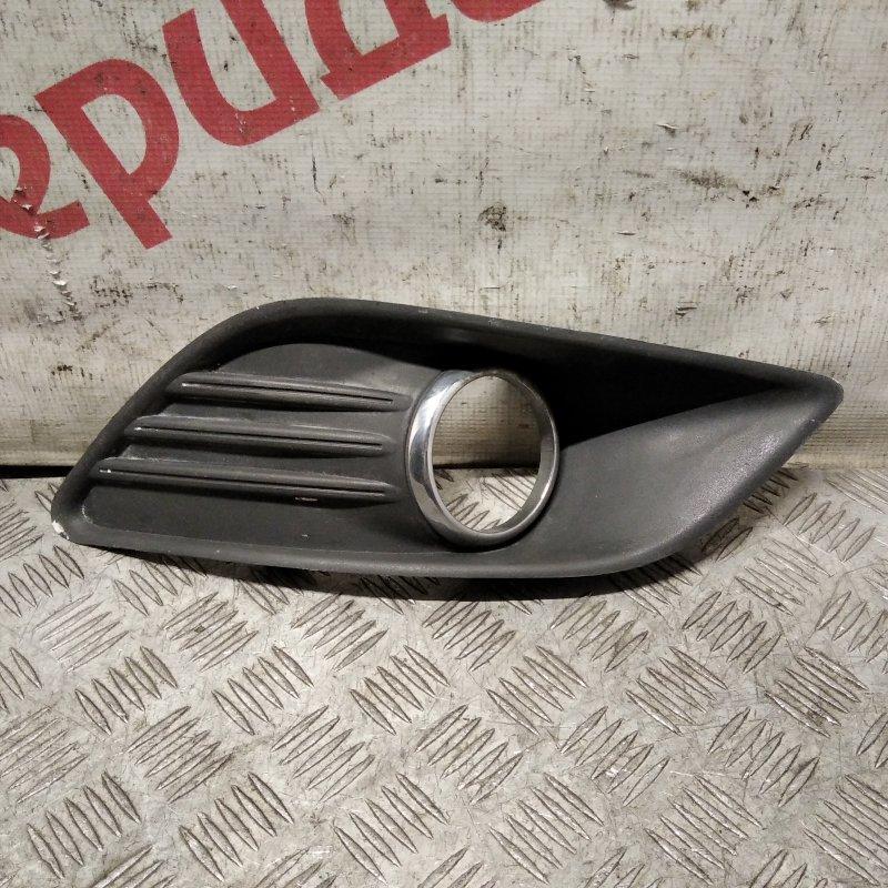 Решетка в бампер правая Ford Focus II 2010 (б/у)
