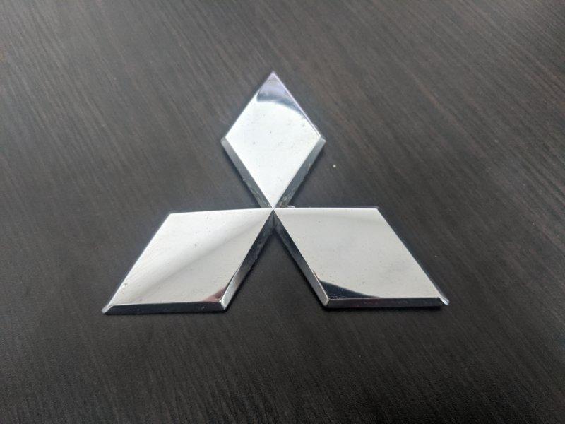 Эмблема на крышку багажника Mitsubishi L200 KB 2.5 2010 (б/у)
