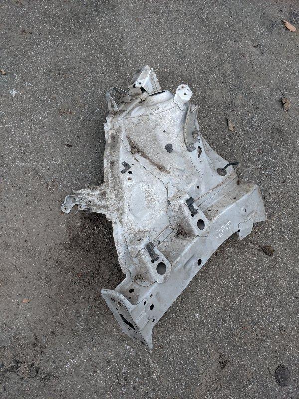 Лонжерон передний правый Toyota Yaris II 2008 (б/у)