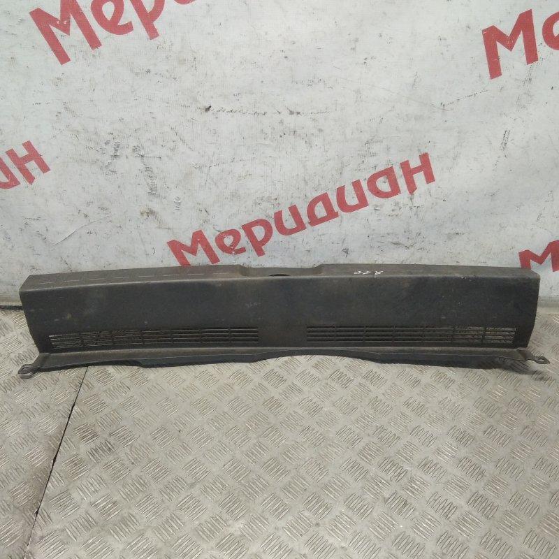 Обшивка багажника на заднюю панель Mitsubishi Colt Z3 2006 (б/у)