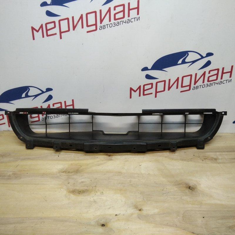 Решетка в бампер центральная Mitsubishi Lancer CS 2004 (б/у)