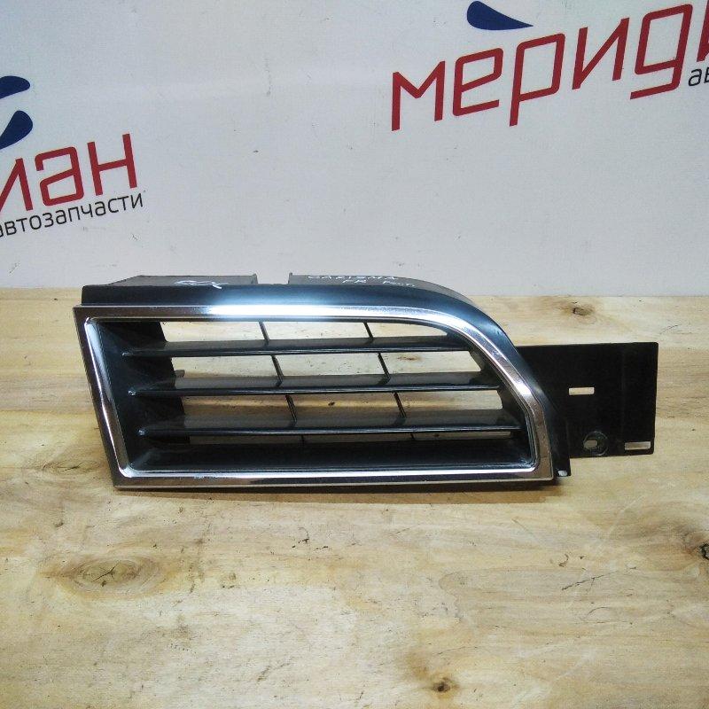Решетка радиатора правая Mitsubishi Carisma DA 2002 (б/у)