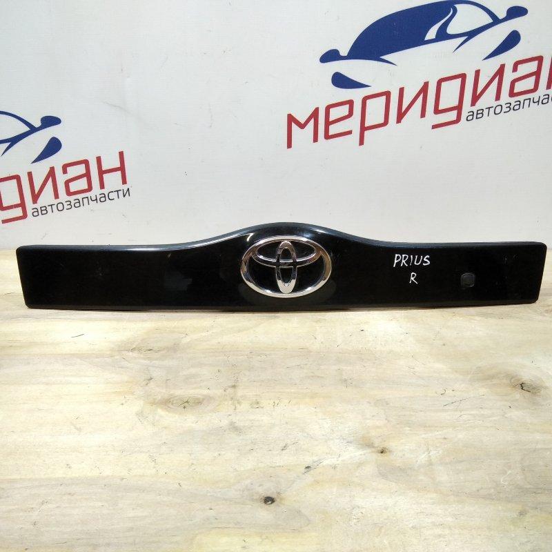 Накладка двери багажника Toyota Prius XW20 2005 (б/у)