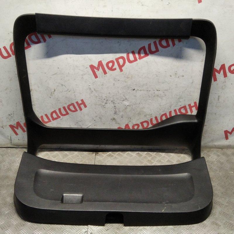 Обшивка двери багажника Toyota Prius XW20 2005 (б/у)