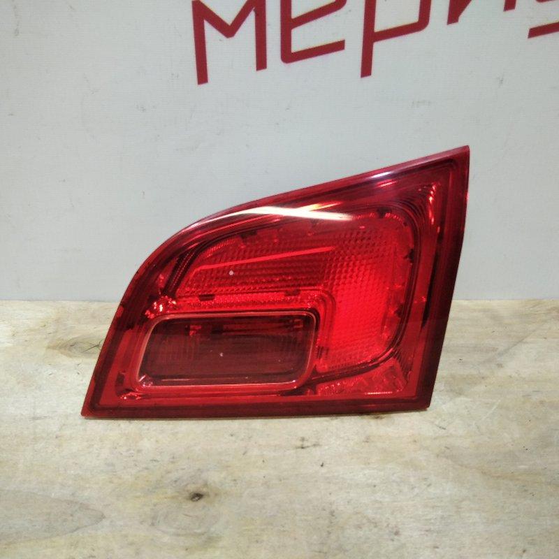Фонарь задний внутренний правый Opel Astra J 2011 (б/у)