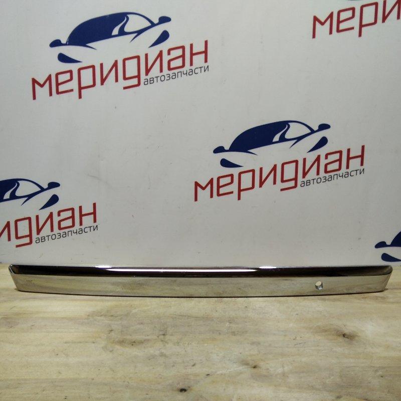Накладка крышки багажника Nissan Tiida C11 2009 (б/у)