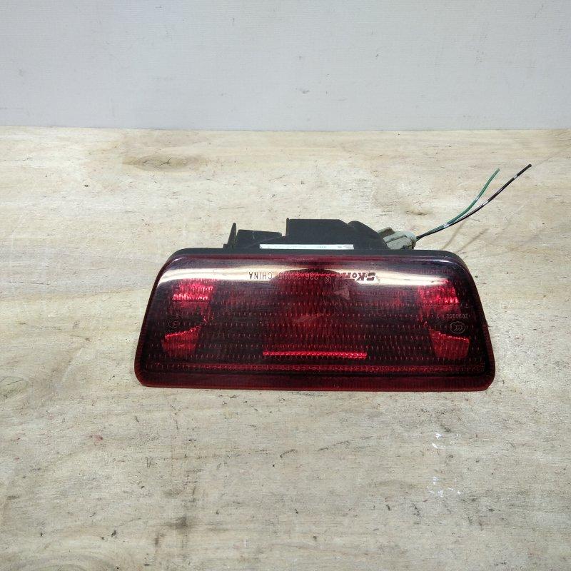 Фонарь задний противотуманный Nissan Tiida C11 2009 (б/у)