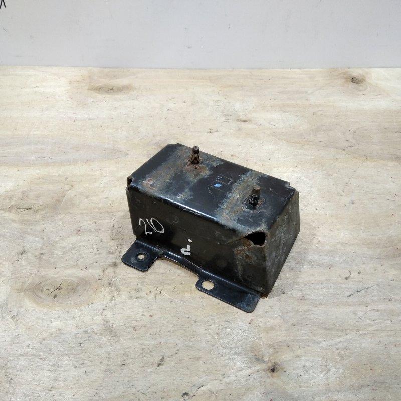 Кронштейн усилителя заднего бампера правый Nissan Tiida C11 2009 (б/у)