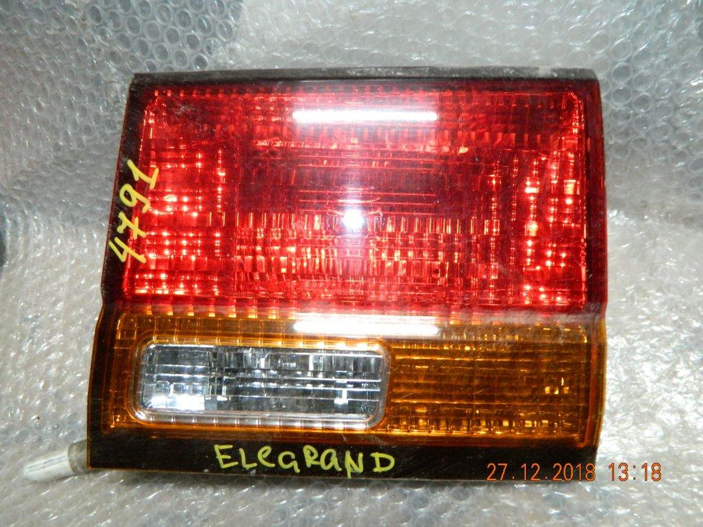 Фонарь NISSAN ELGRAND 50 №47-91 R крышка багажника