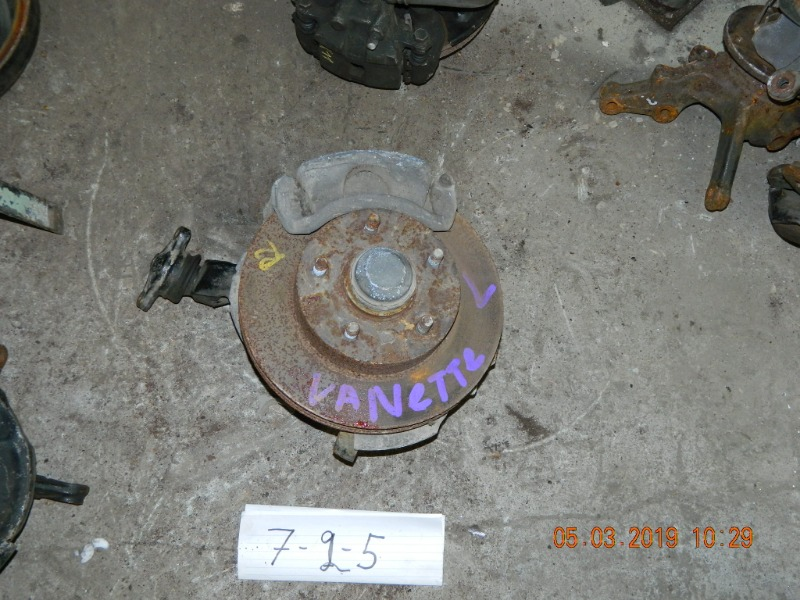 Ступица Nissan Vanette SK82VN передняя левая (б/у)