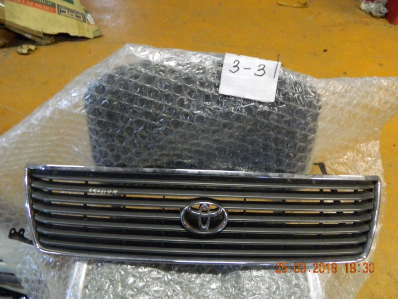 Решетка радиатора Toyota Celsior UCF20 (б/у)