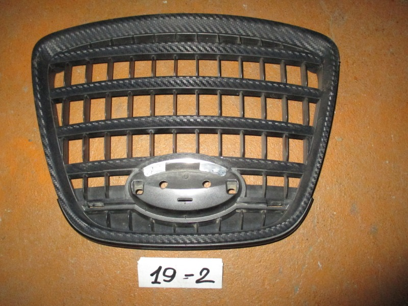 Решетка радиатора Subaru Tribeca W10 (б/у)