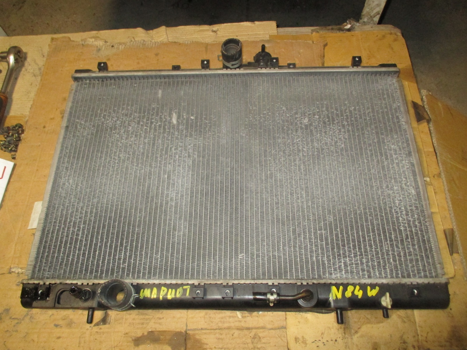 Радиатор двс Mitsubishi Chariot Grandis N84W (б/у)