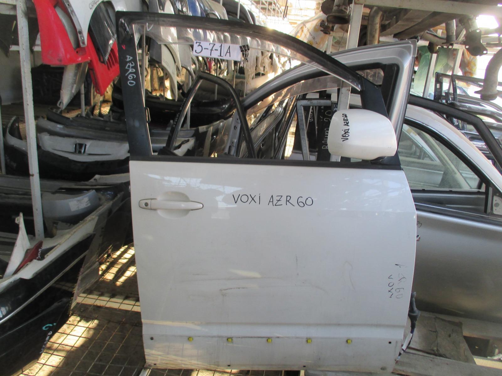 Дверь Toyota Voxy AZR60 передняя правая (б/у)