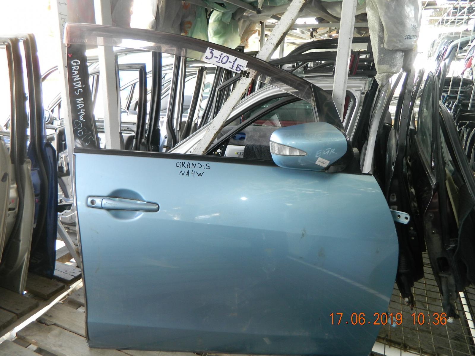 Дверь Mitsubishi Chariot Grandis NA4W передняя правая (б/у)