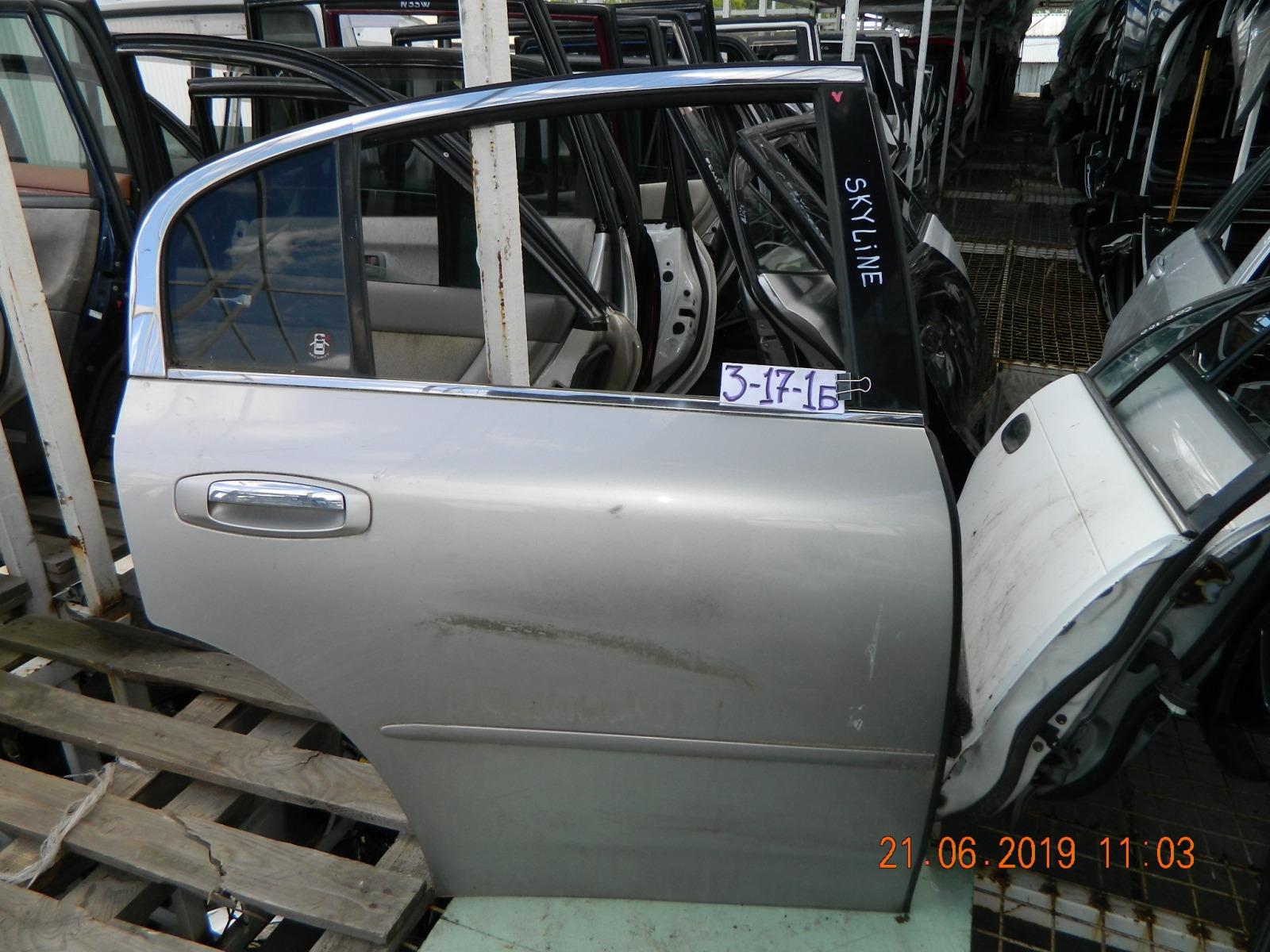 Дверь Nissan Skyline задняя правая (б/у)