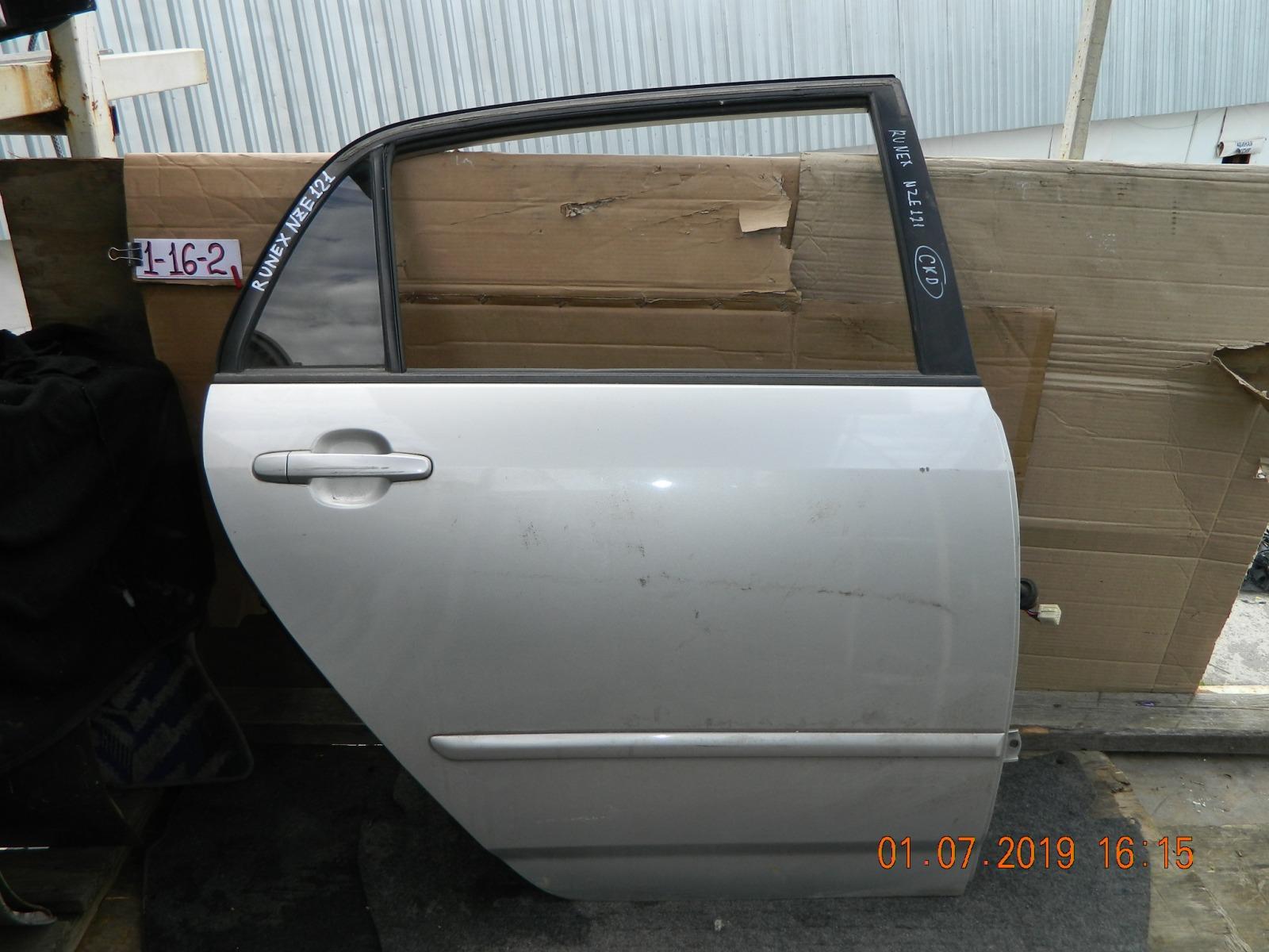 Дверь Toyota Runx NZE120 задняя правая (б/у)