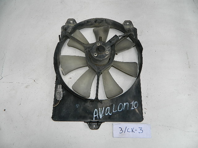 Диффузор радиатора Toyota Avalon MCV10 (б/у)