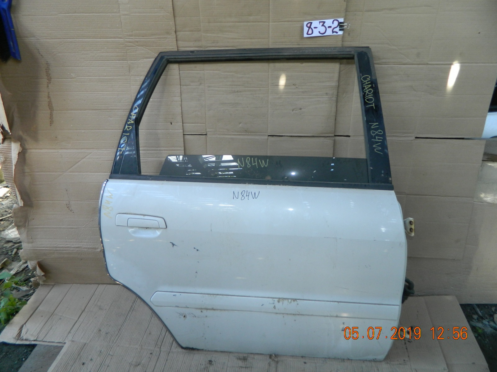 Дверь Mitsubishi Chariot N84W задняя правая (б/у)