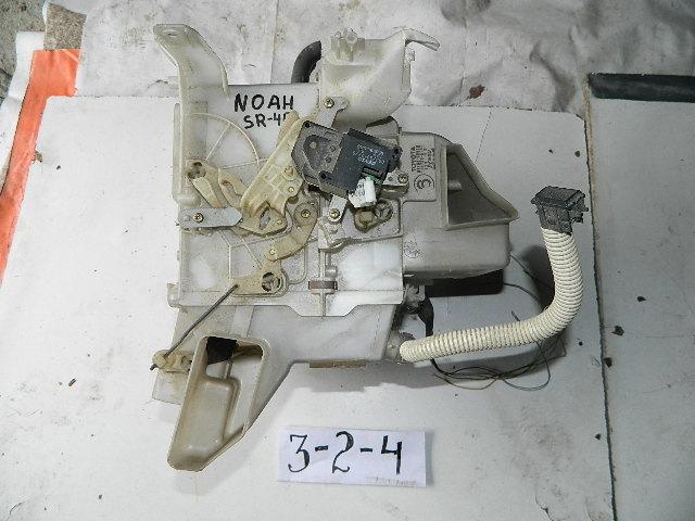 Корпус печки Toyota Noah CR40 (б/у)