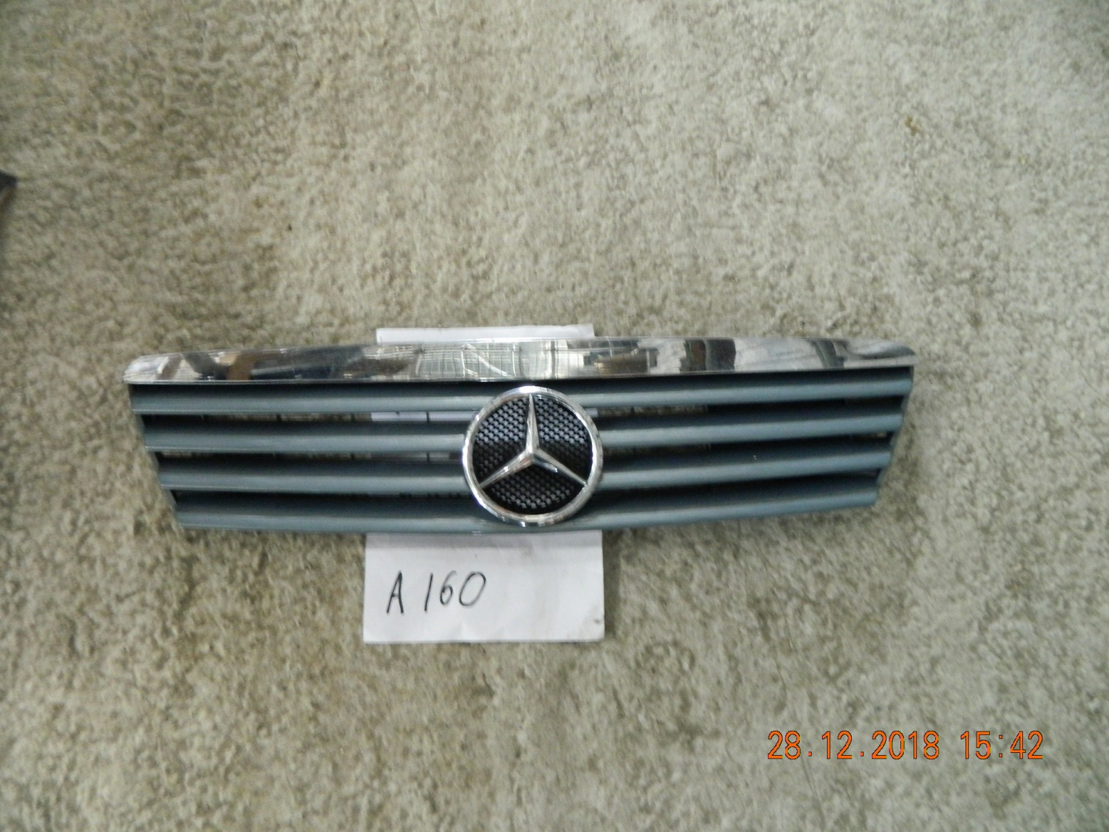 Решетка радиатора Mercedes-Benz A-Class A160 2001 (б/у)