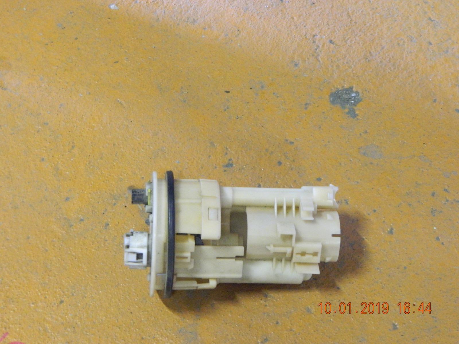 Топливный насос Toyota Spacio NZE120 (б/у)