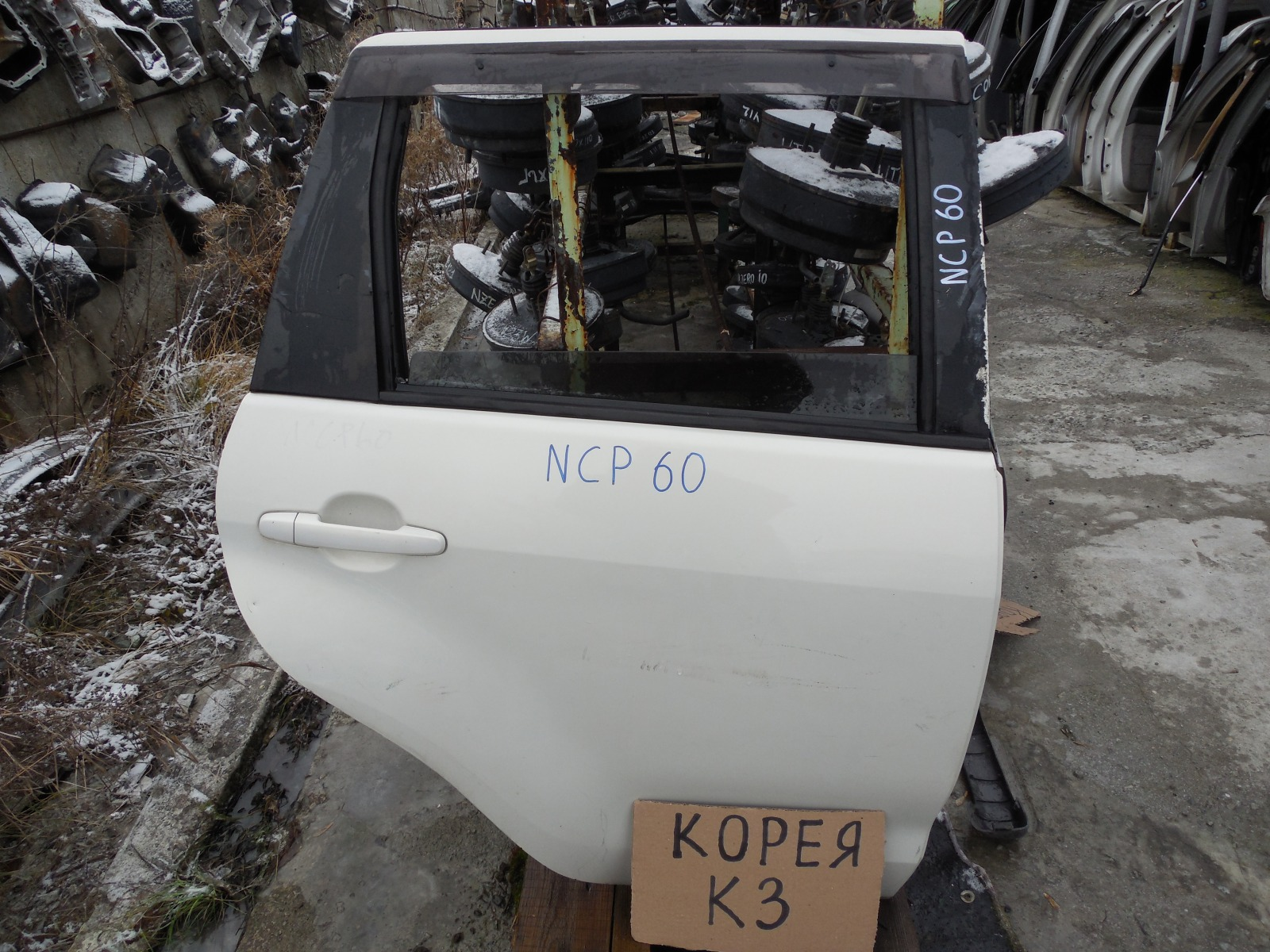 Дверь Toyota Ist NCP60 задняя правая (б/у)