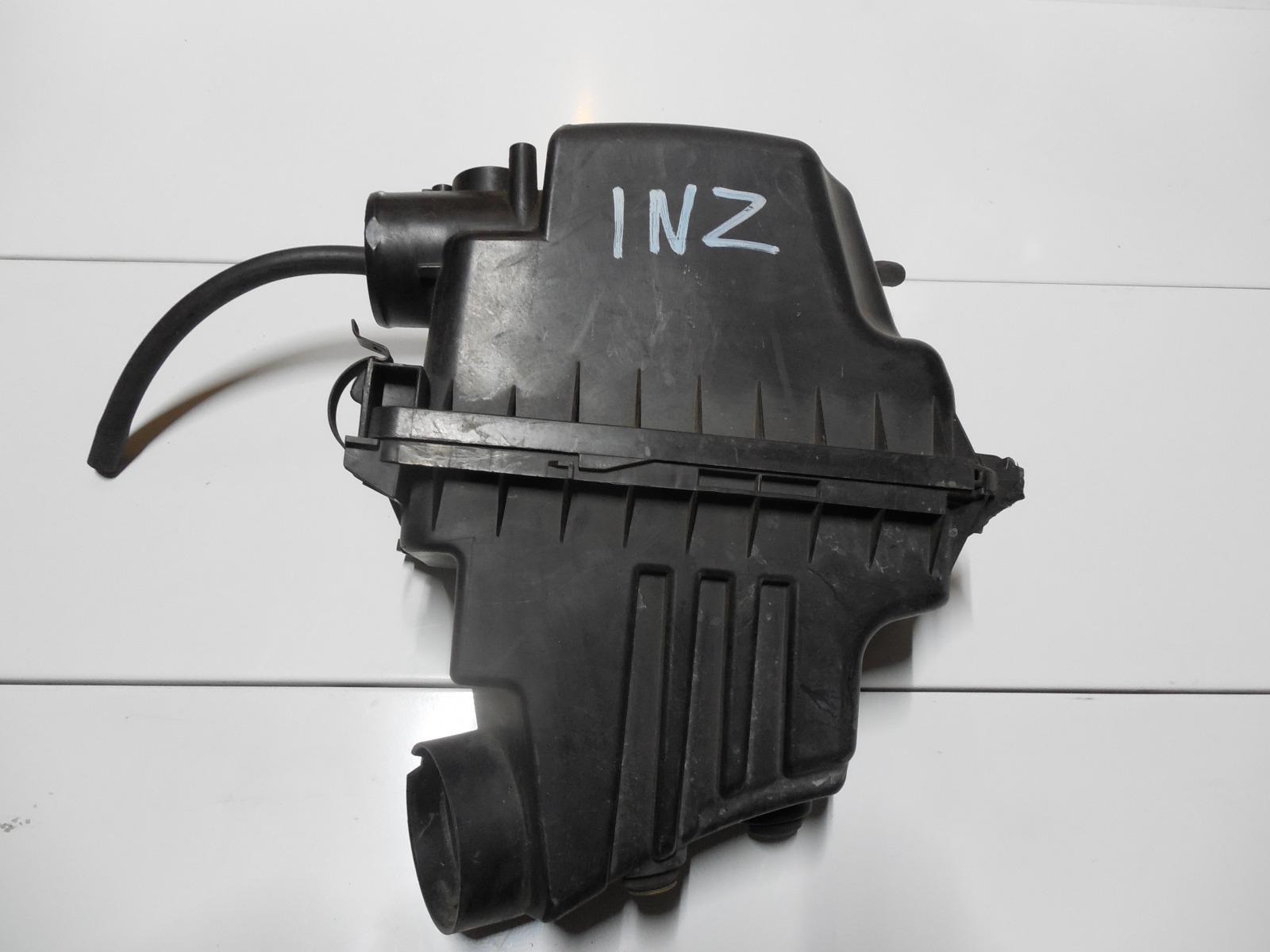 Корпус воздушного фильтра Toyota Ist NCP60 1NZ (б/у)