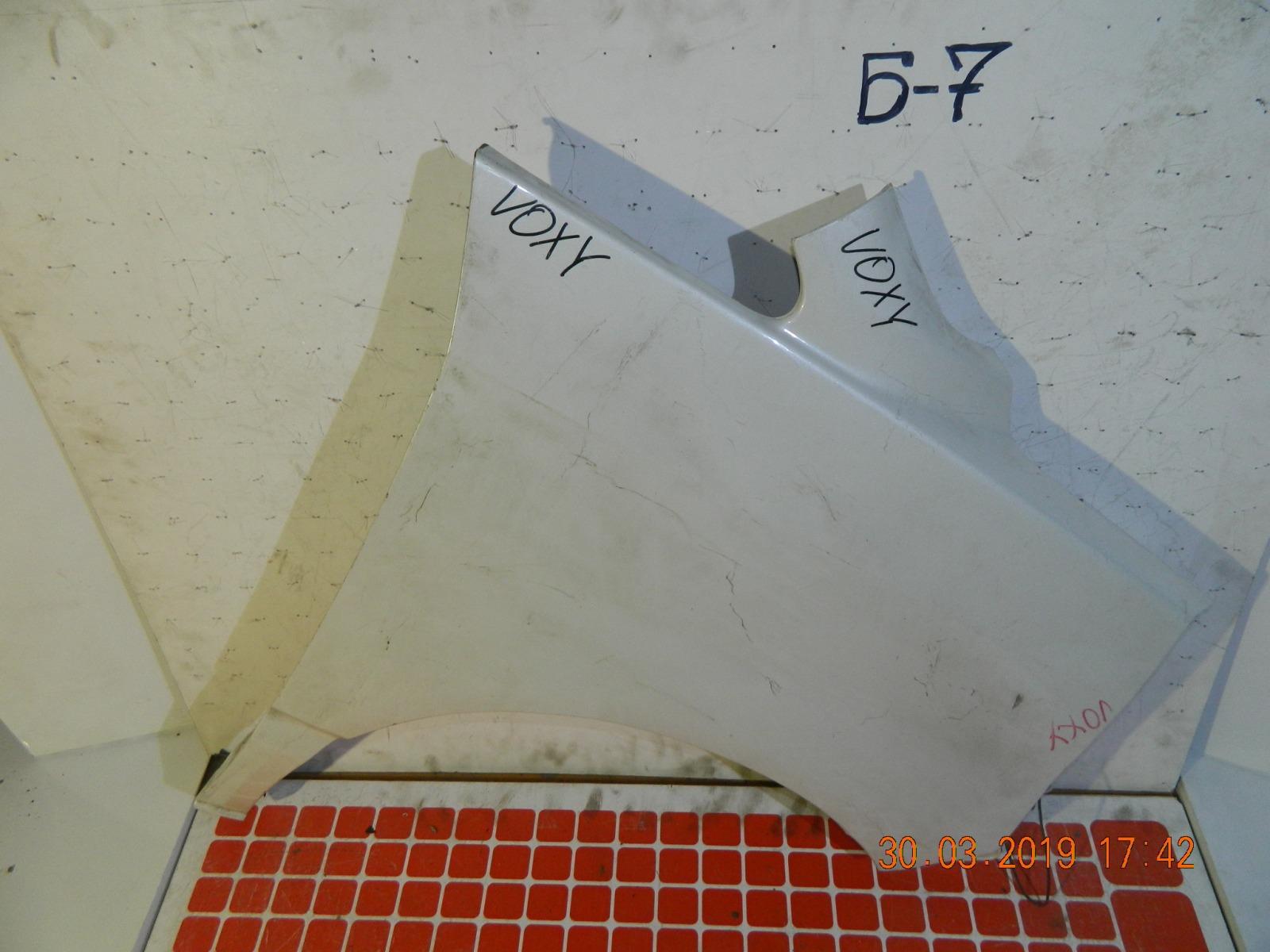 Крыло Toyota Voxy AZR60 переднее правое (б/у)