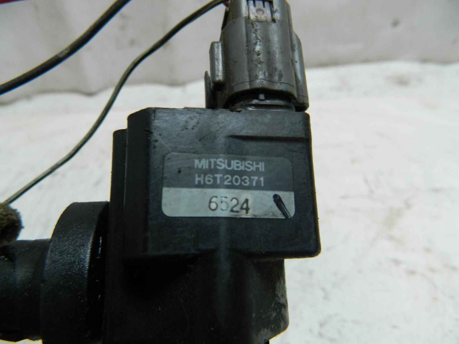 Катушка зажигания Mitsubishi Pajero Io H66W 4A30 (б/у)