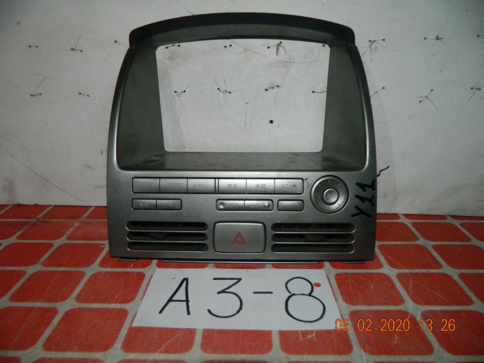 Центральная консоль Nissan Wingroad Y11 (б/у)