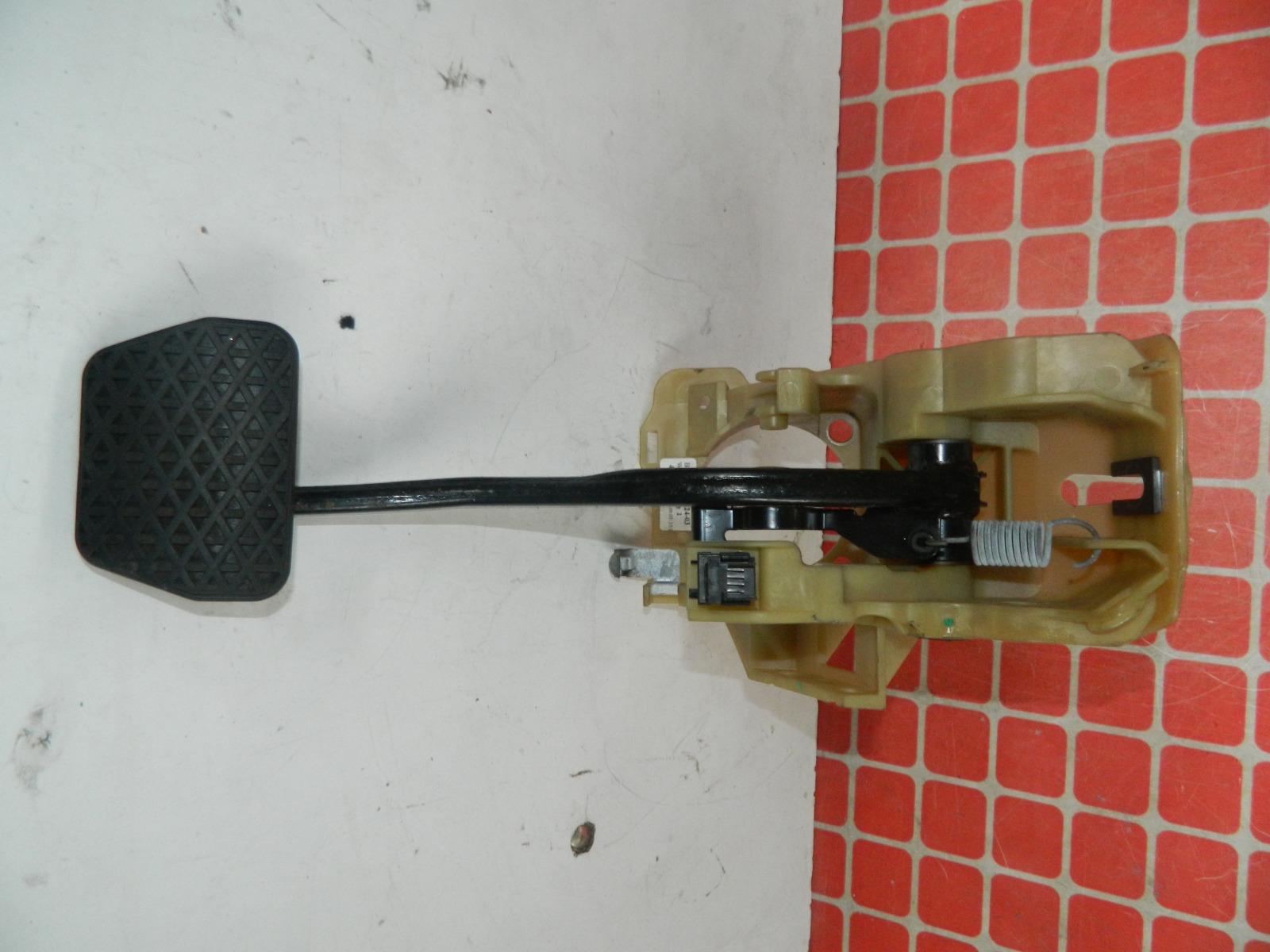 Педаль тормоза Bmw 530I E61 (б/у)